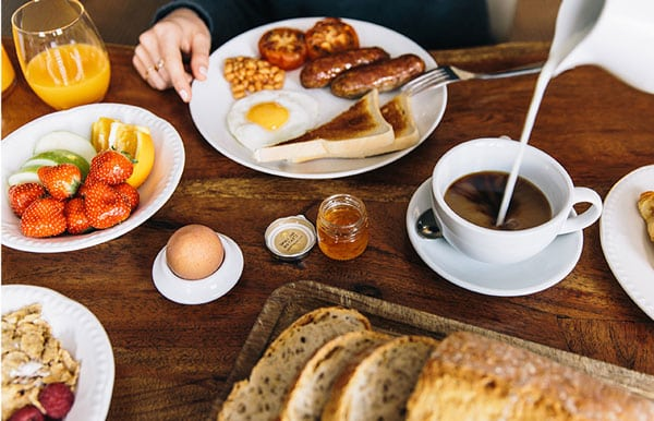 Warm breakfast in Putney